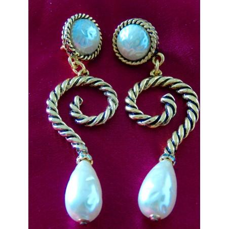 """Boucles d'oreilles Chanel """"Perles"""""""