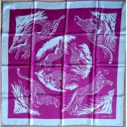 Carré foulards Hermès Les...