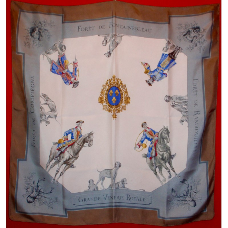 Rare Carré Hermès Grande vénerie royale - Le grenier d amatxi d391ffff47f